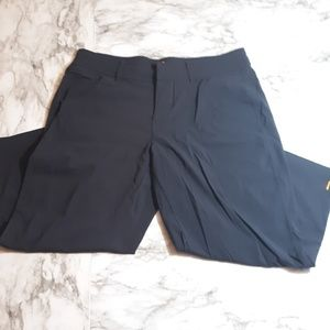 Lucy black athletic capris sz M